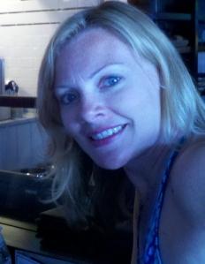 2012-07-02_19-19-50_727 one (2) blond